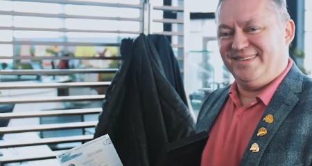 Видео с мероприятия по вручению автобонуса Тадеушу Шийке. Красноярск.